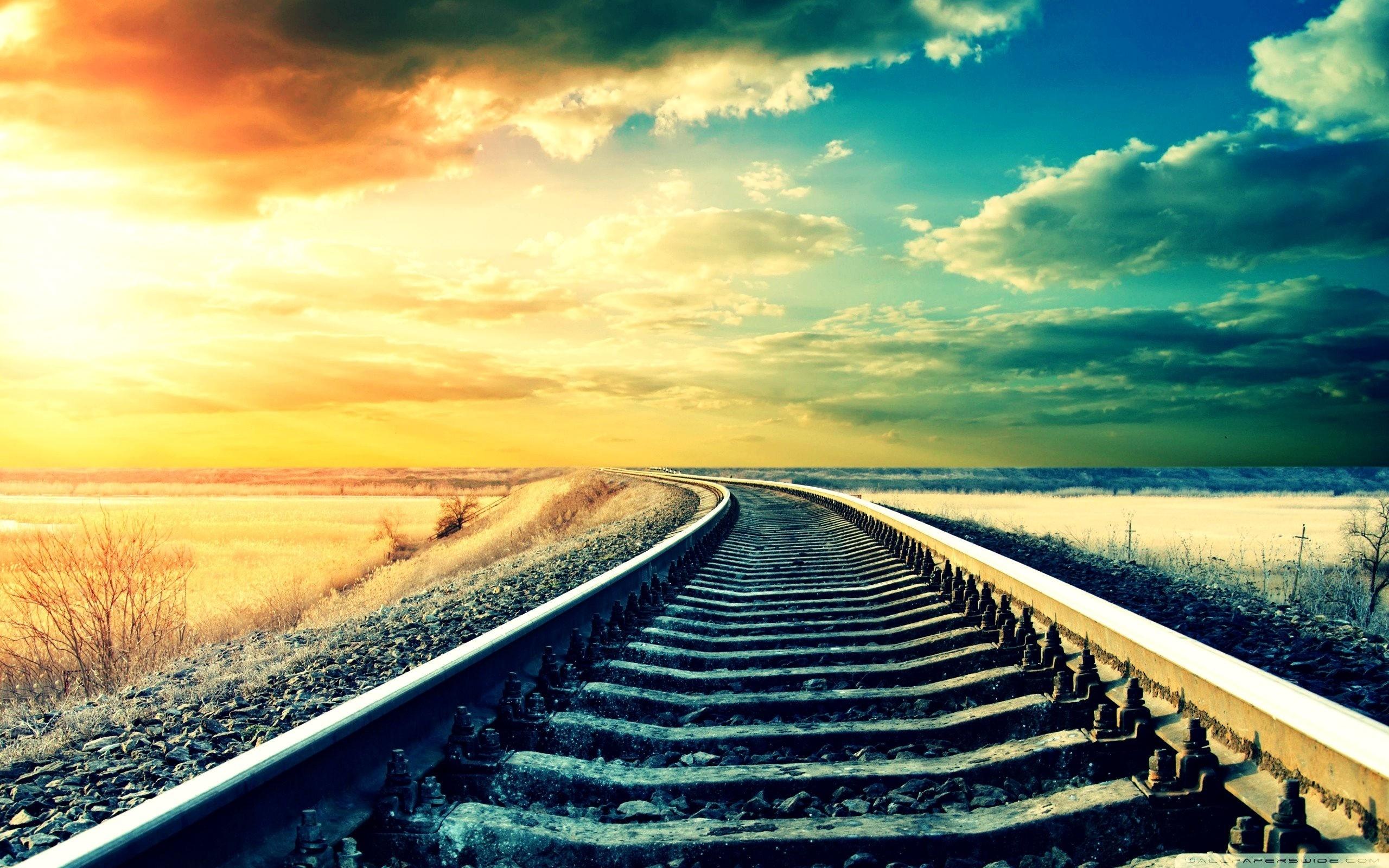 Khi nào thì associations được lưu trong rails